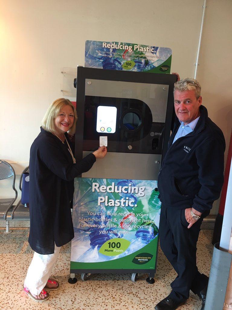 Linda Fabiani MSP at Morrisons East Kilbride Reverse Vending Machine
